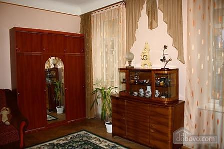 In the historical part of Lviv, Studio (95155), 002