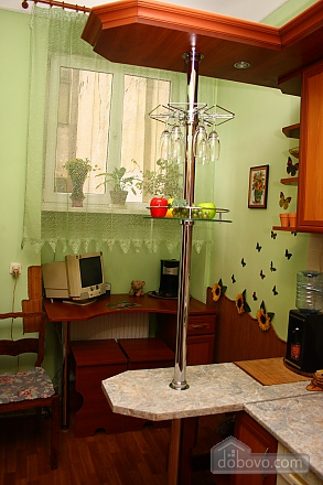 In the historical part of Lviv, Studio (95155), 007