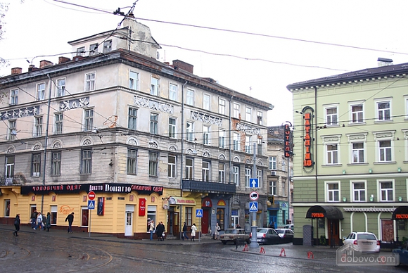 In the historical part of Lviv, Studio (95155), 009