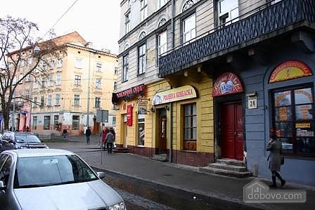 In the historical part of Lviv, Studio (95155), 010