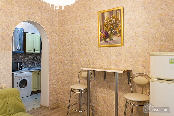 Apartment with a patio, One Bedroom (59103), 010