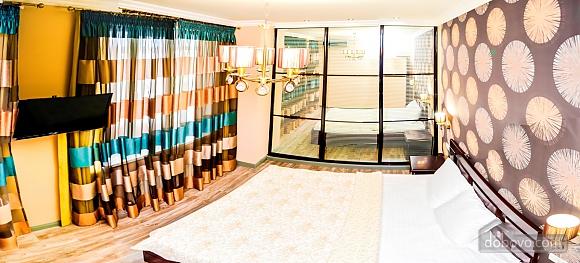 Современный пентхаус рядом с центральным парком и пляжем Ланжерон, 3х-комнатная (67447), 006