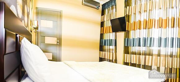 Современный пентхаус рядом с центральным парком и пляжем Ланжерон, 3х-комнатная (67447), 022