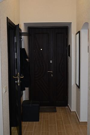 Квартира в центрі навпроти палацу Потоцьких, 1-кімнатна, 008
