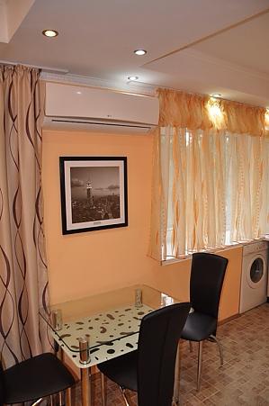 Apartment near Pecherska metro station, Studio, 002