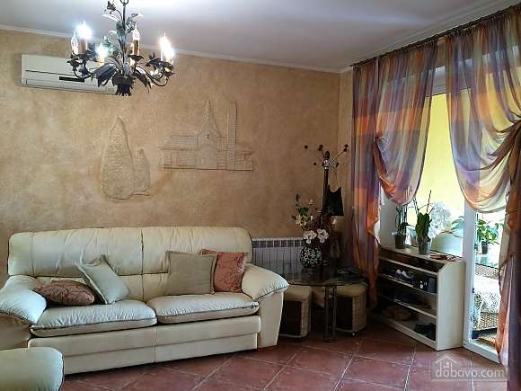 Cottage by the sea in Ilyichevsk, One Bedroom (36167), 001