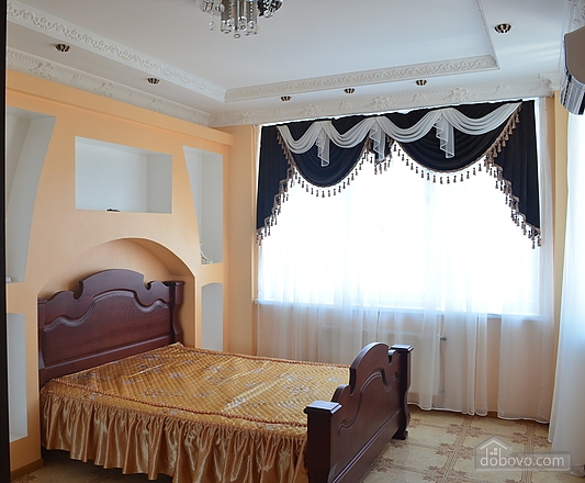 Apartment with sea views in the center of Odessa, Trois chambres (22152), 001