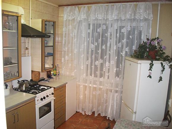 Квартира в 5 хвилинах ходи до метро, 2-кімнатна (64413), 001