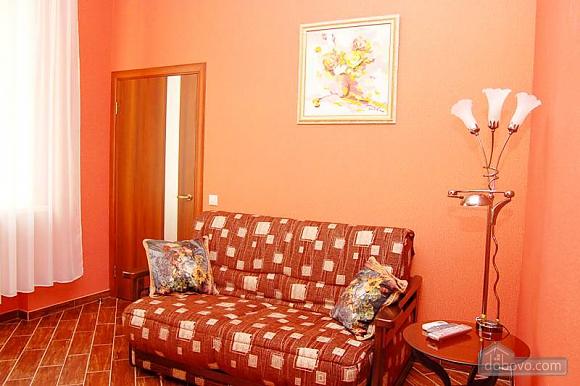 Квартира на площади Независимости, 2х-комнатная (79054), 001
