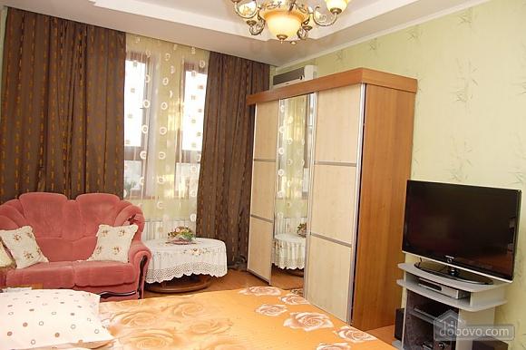 Квартира возле метро Дворец Спорта, 2х-комнатная (76964), 001