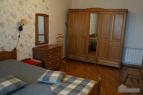 Красива квартира на Позняках, 3-кімнатна (63725), 002