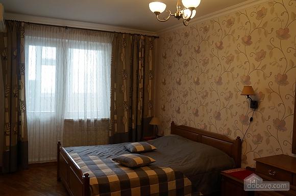 Красива квартира на Позняках, 3-кімнатна (63725), 001