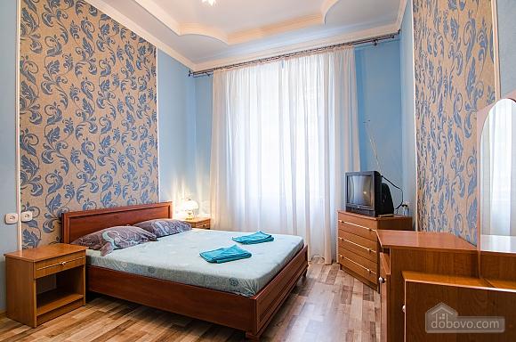 Квартира возле Оперного театра, 2х-комнатная (59286), 001