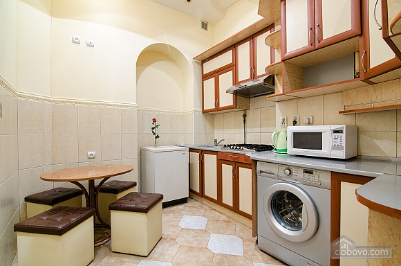 Квартира возле Оперного театра, 2х-комнатная (59286), 007