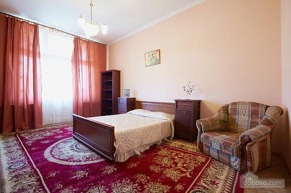 Apartment in the historical center, Studio (44400), 001