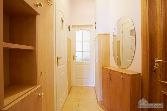 Apartment in the historical center, Studio (44400), 008
