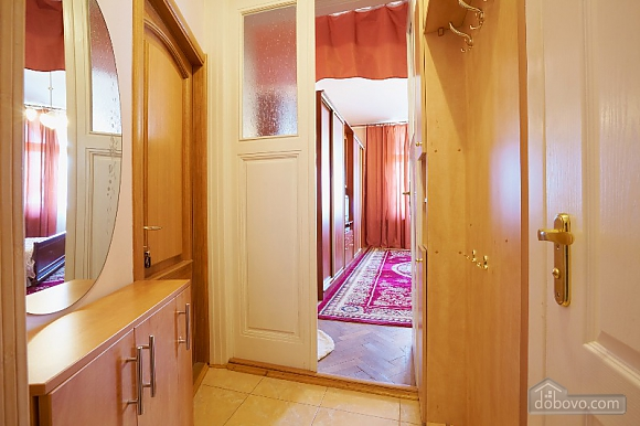 Apartment in the historical center, Studio (44400), 009