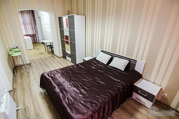 Квартира возле Оперного театра, 1-комнатная (20393), 002