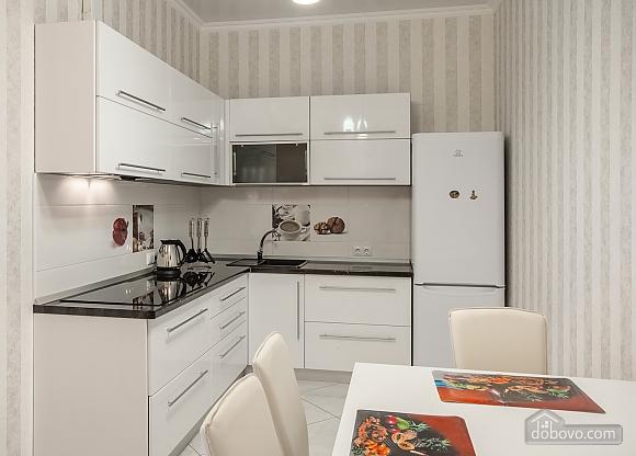 Квартира у моря з двома спальнями, 2-кімнатна (81502), 004