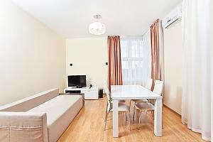 Апартаменты возле метро Лукьяновская, 3х-комнатная, 004