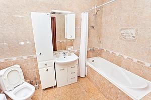 Апартаменты возле метро Лукьяновская, 3х-комнатная, 006