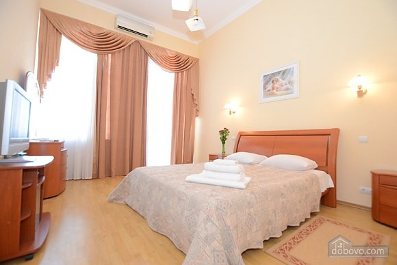 Luxury apartment on Basseinaya Street, Studio (35663), 001