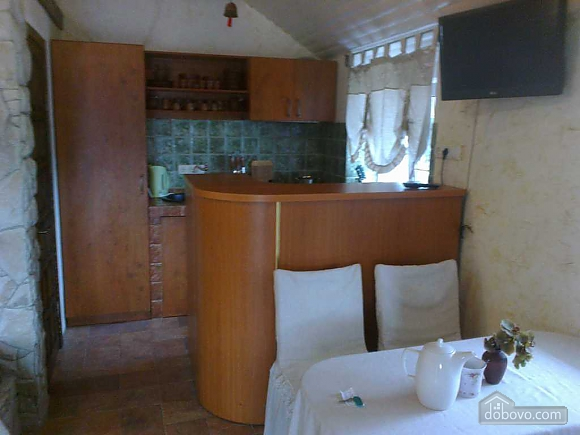 Апартаменти Chalet в селі Молодіжне, 1-кімнатна (73962), 002