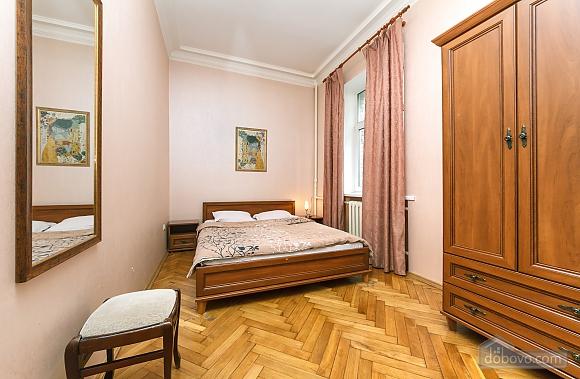 Квартира возле Майдана Независимости, 2х-комнатная (62093), 001