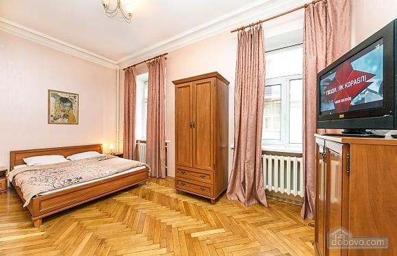 Квартира возле Майдана Независимости, 2х-комнатная (62093), 003