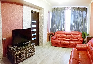 Cozy apartment near Zoloti Vorota metro station, Tre Camere, 001