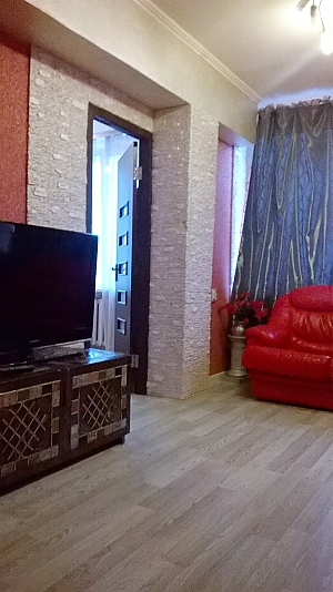 Cozy apartment near Zoloti Vorota metro station, Tre Camere, 003