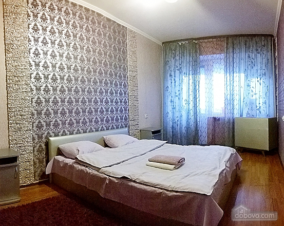 Cozy apartment near Zoloti Vorota metro station, Tre Camere (39769), 004