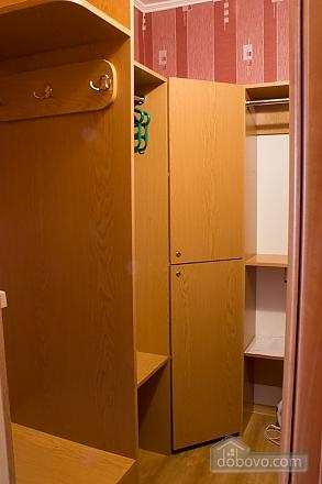 Квартира з цікавим дизайном у тихому районі, 2-кімнатна (23385), 011