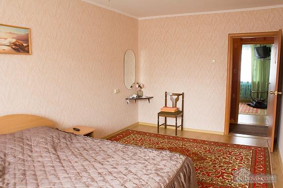 Квартира з цікавим дизайном у тихому районі, 2-кімнатна (23385), 003