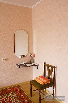 Квартира з цікавим дизайном у тихому районі, 2-кімнатна (23385), 007