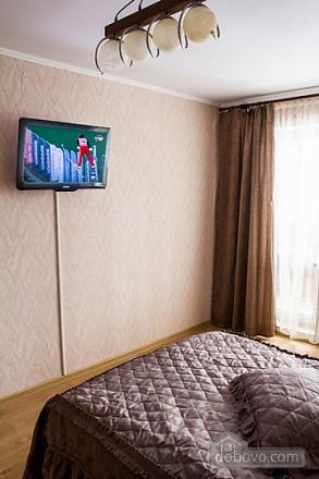 Квартира з цікавим дизайном у тихому районі, 2-кімнатна (23385), 006