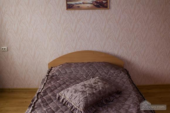 Квартира з цікавим дизайном у тихому районі, 2-кімнатна (23385), 005