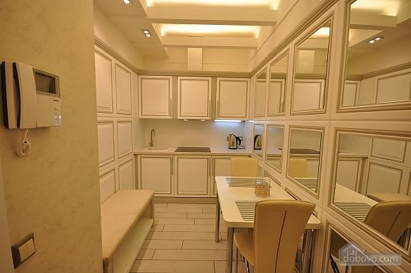 Стильная квартира с дизайнерским ремонтом, 1-комнатная (16347), 006