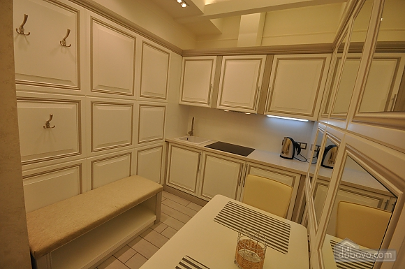 Стильная квартира с дизайнерским ремонтом, 1-комнатная (16347), 007