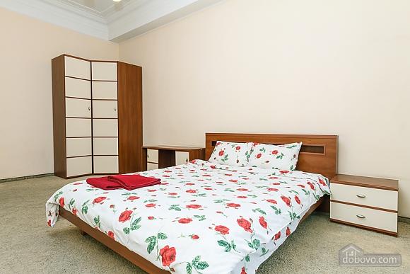 Квартира на площади Льва Толстого, 2х-комнатная (10886), 001