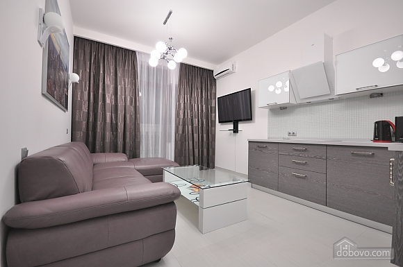 Bright stylish apartment with jacuzzi in new building in the center of Odessa, One Bedroom (30751), 004