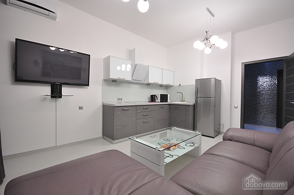 Bright stylish apartment with jacuzzi in new building in the center of Odessa, One Bedroom (30751), 006