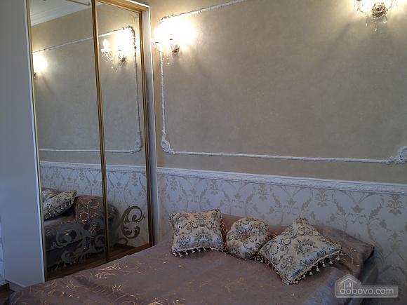 Квартира в Аркадии, 3х-комнатная (64572), 001