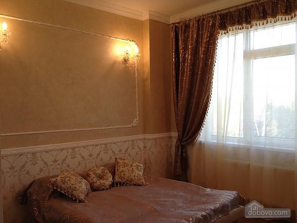 Квартира в Аркадии, 3х-комнатная (64572), 003