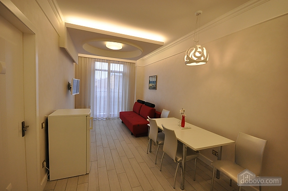 Apartment after renovation in a new house, Zweizimmerwohnung (40882), 003