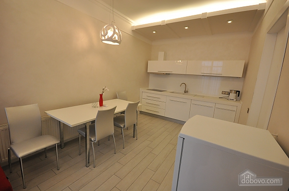 Apartment after renovation in a new house, Zweizimmerwohnung (40882), 004
