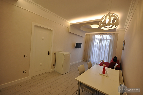 Apartment after renovation in a new house, Zweizimmerwohnung (40882), 005