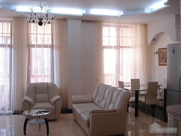 Apartment in a luxury house, Due Camere (75392), 001