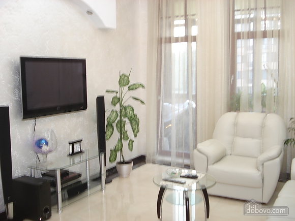 Apartment in a luxury house, Due Camere (75392), 003