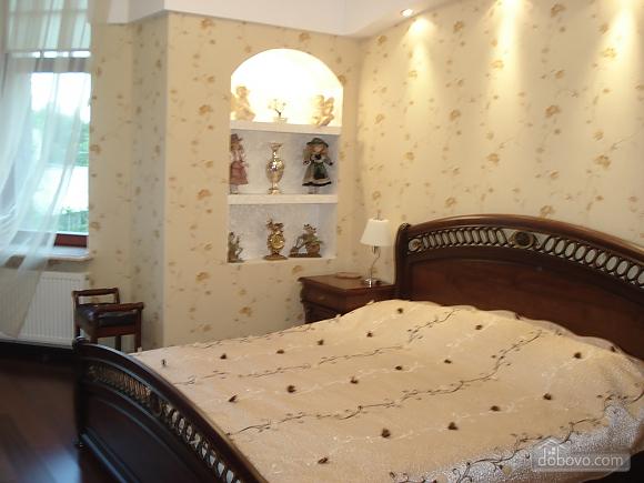 Квартира в элитном доме, 3х-комнатная (75392), 007